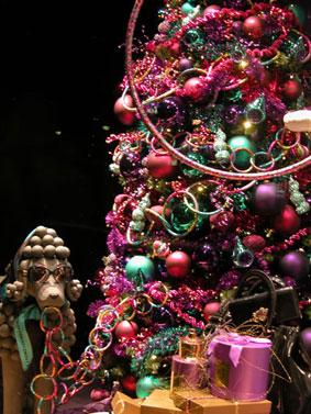 alexandra reill: weihnachtsauslage im kaufhaus des westens, photo series 2009. sujet II